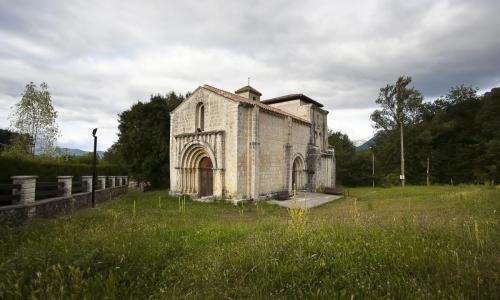 Siones - Iglesia de Santa María