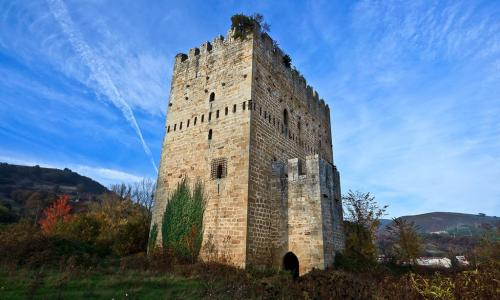 Castillo de los Velasco - Torre de la Riba